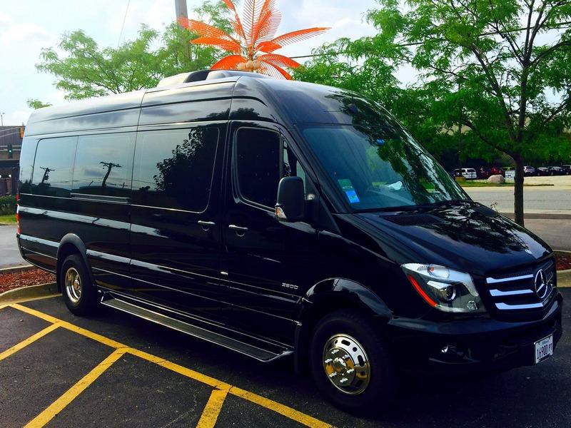 Luxury passenger van rental chicago 2015 mercedes for Mercedes benz sprinter rental chicago