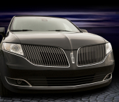 Front view of Lincoln stretch limousine from Echo Limousine in Chicago, IL