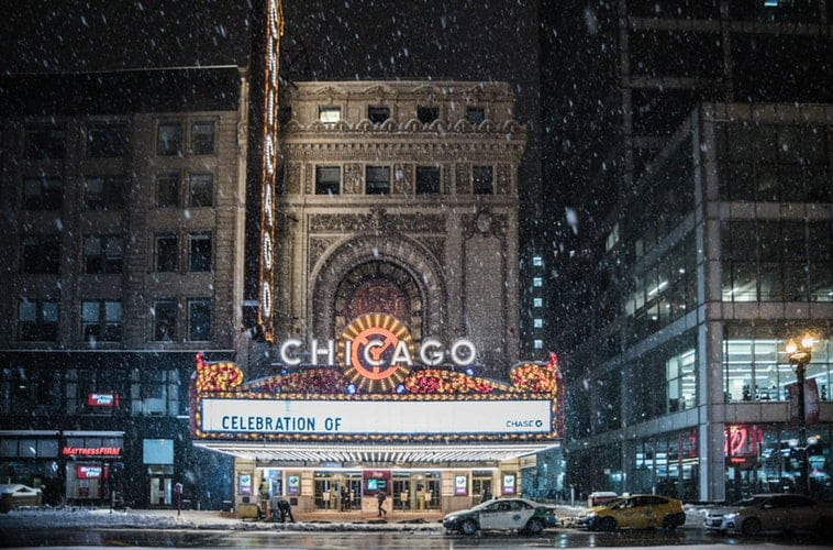 How to Make it Through Your First Winter in Chicago - Echo Limousine
