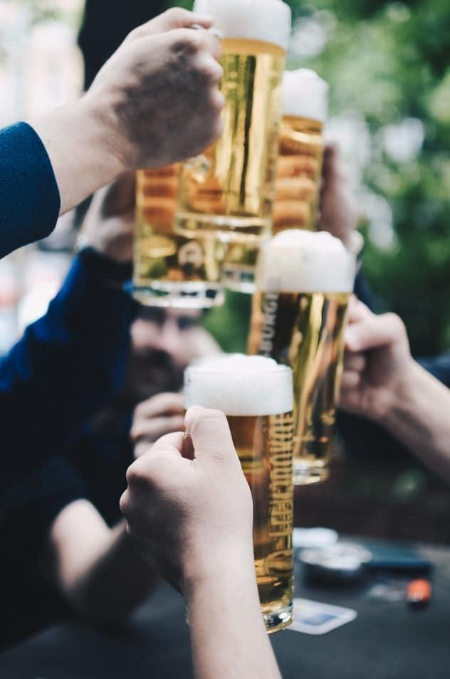 How to Plan a Proper Bar Crawl Party - Echo Limousine